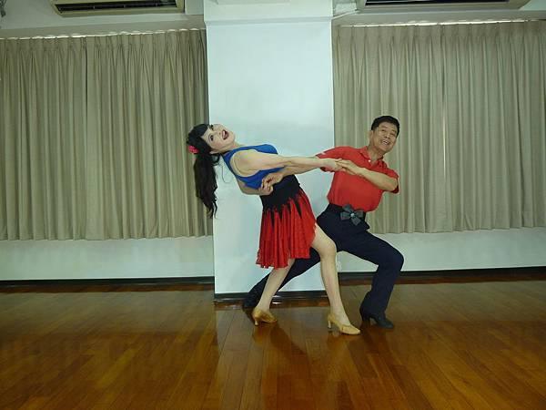 D215-趣味舞姿