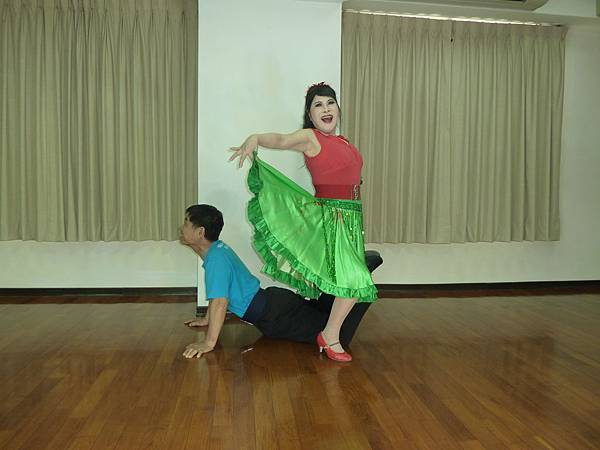 D218-趣味舞姿
