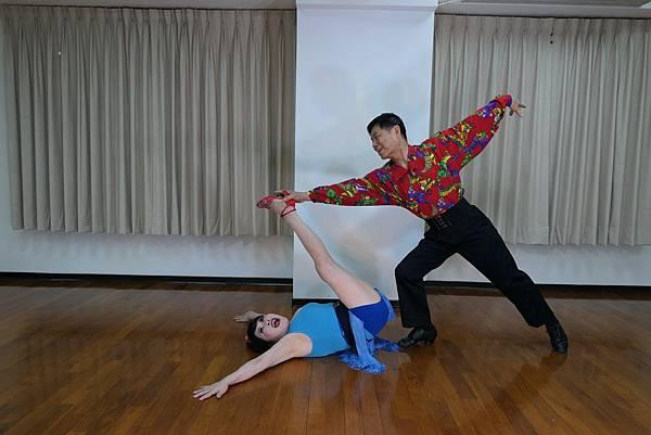 D220-趣味舞姿