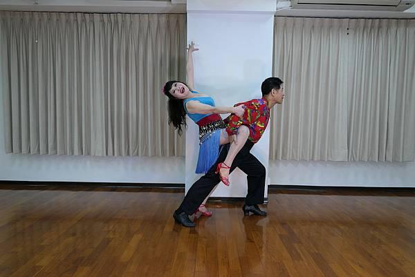 D221-趣味舞姿