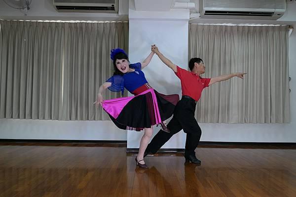 D222-趣味舞姿