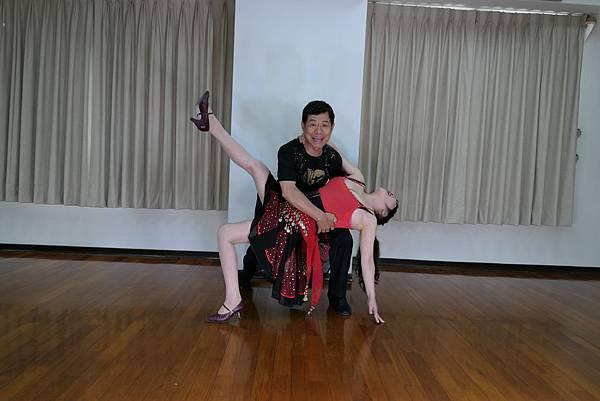 D223-趣味舞姿