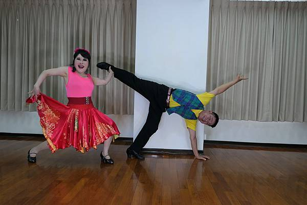 D225-趣味舞姿