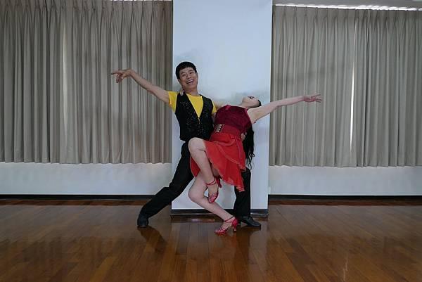 D228-趣味舞姿