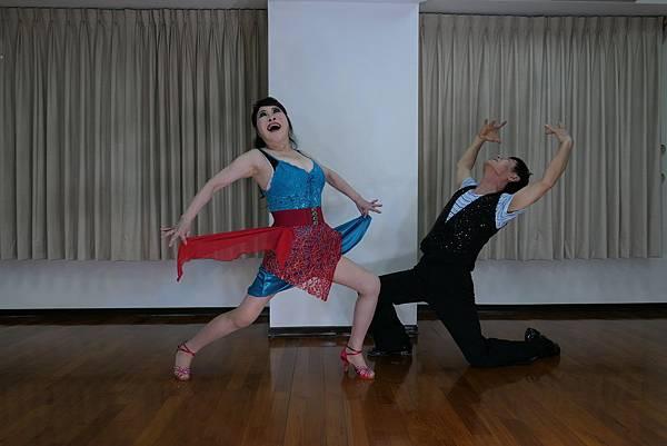 D230-趣味舞姿