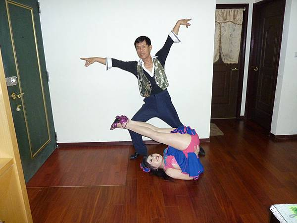 D235-趣味舞姿