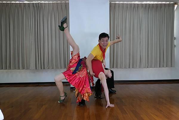 D237-趣味舞姿