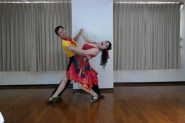 D238-趣味舞姿