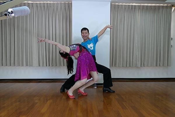 D241-趣味舞姿
