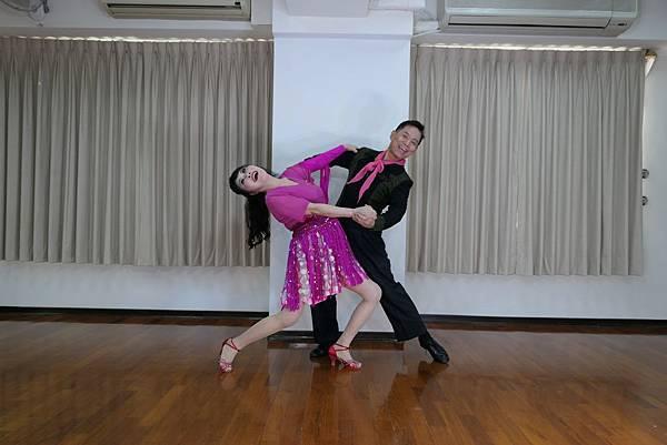 D243-趣味舞姿