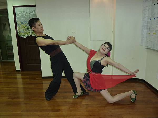 D247-趣味舞姿