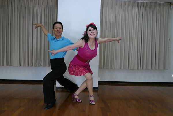 D261-趣味舞姿