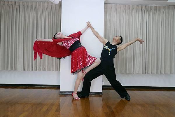 D272-趣味舞姿