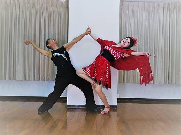 D288-趣味舞姿