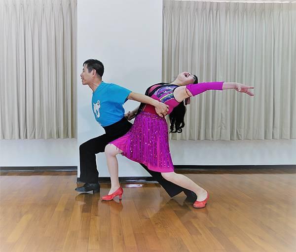 D289-趣味舞姿