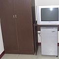 衣櫃+電視+小冰箱