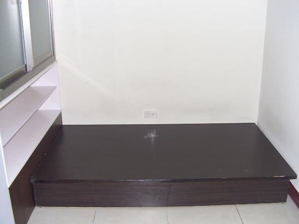 單人床(含彈簧床)
