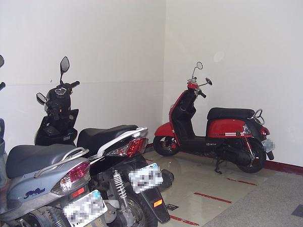 室內停車場