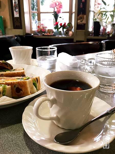 生活日記:回家路上咖啡屋