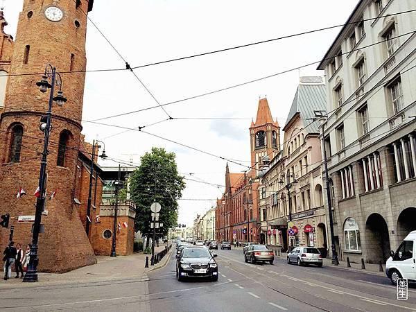 旅居波蘭 (day 2-3):陌生,讓人難以決定1