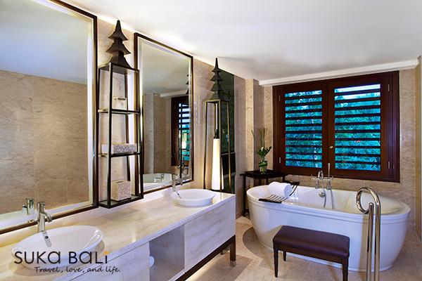 St-Regis-Suite-Bathroom.jpg