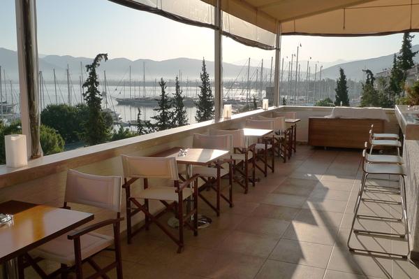 位在4樓可看風景的餐廳..