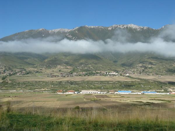 很妙 雲居然在山頂下