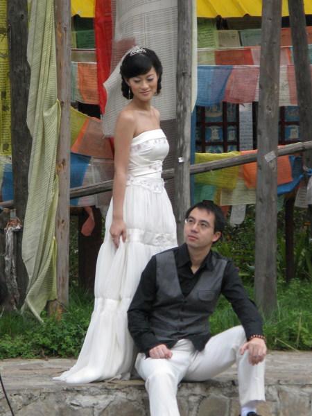 又有情侶來拍婚紗照