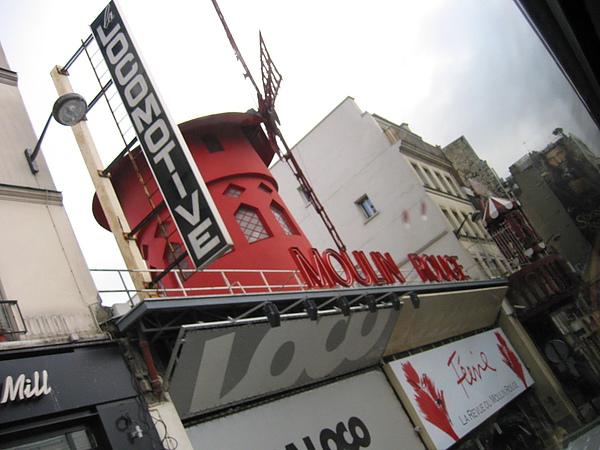0128紅磨坊.JPG