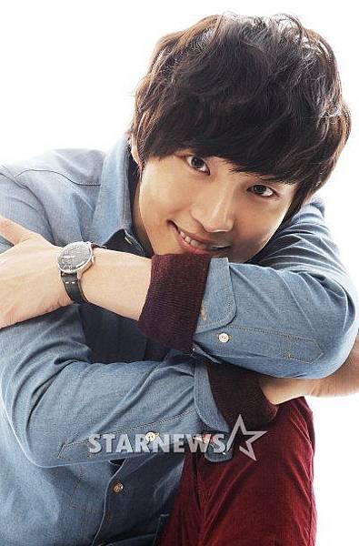 Yoon_Shi_Yoon16.jpg