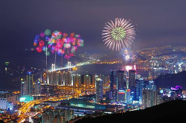 3820139201100025k_Busan International Fireworks Festival.jpg