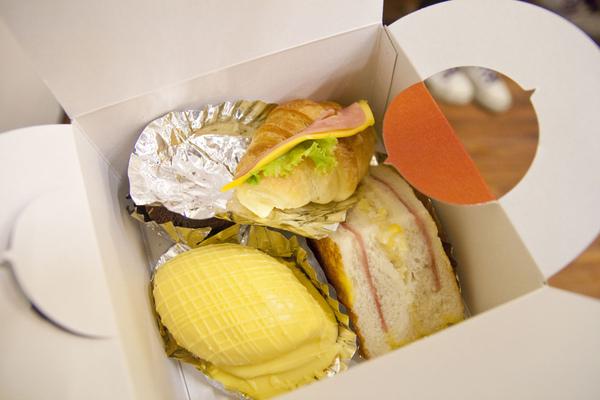 中餐~難吃的餐盒