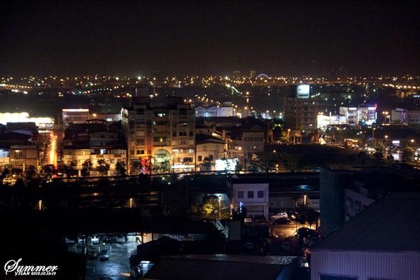 飯店外的 夜景