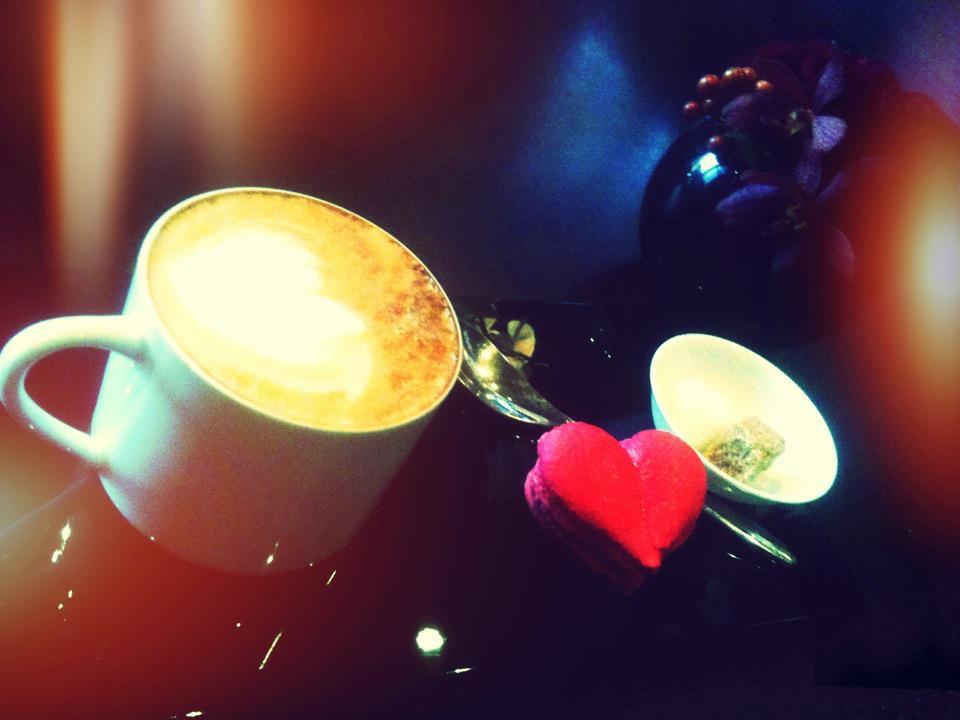 R CAFE.jpg