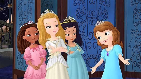 小公主蘇菲亞(右一)永於挑戰自我,不畏旁人眼光勇敢做自己。