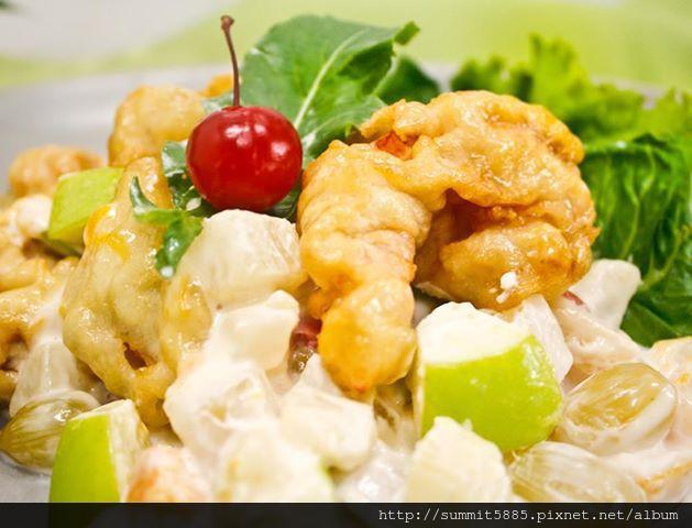 3'Hot Prawn and Calamari Salad