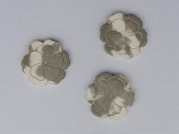 杯墊.茶花-極泥灰-1755.JPG