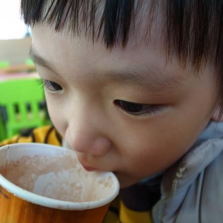 20140117子供はもう風邪をひきました。ですから、学校へ行きませんでした。マクドナルドで朝ご飯を食べました、とても嬉しいかったです。