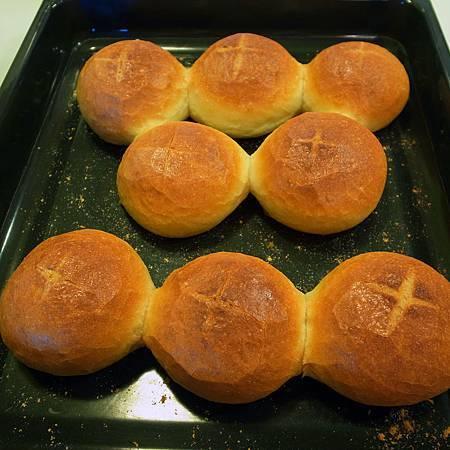 20140311これらのパンはまるでシャム双生児みたいでした。