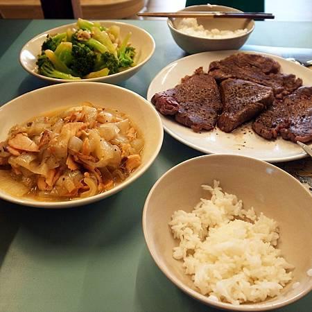 20140409三人だけいるのに、四人分の晩御飯を作ってしまいました