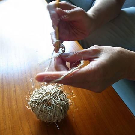 20140412友達は私に織物の作りを教えていました。