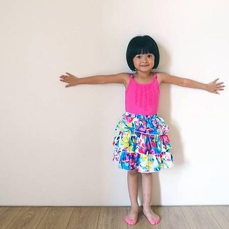 20140416友達の娘が綺麗なワンピースを着ていると、よく嬉しそうです。