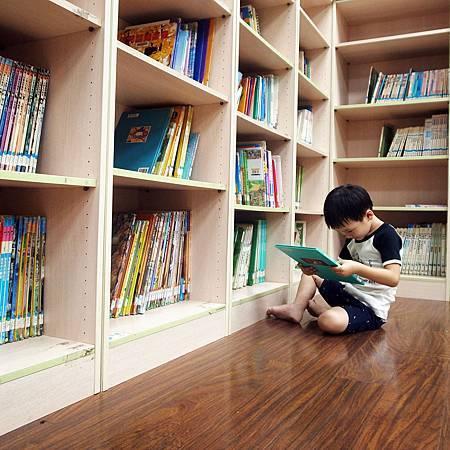 20140729子供は図書館が面白いといっていました。