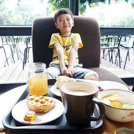 20140730毎週一度、スタバで朝ご飯を食べなければなりません。
