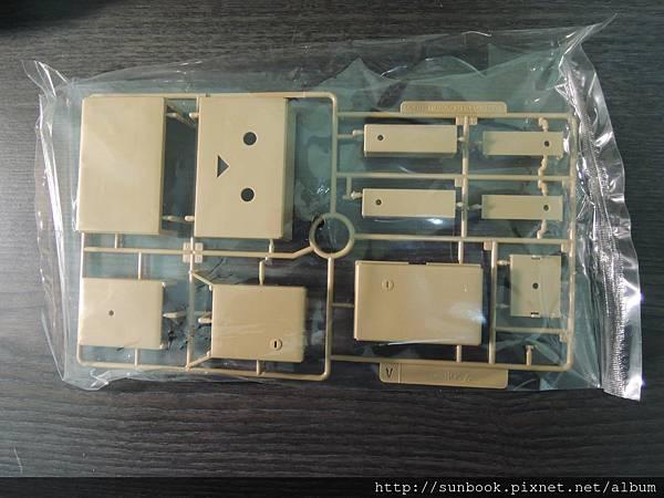 紙箱人壽屋組裝阿愣開箱3