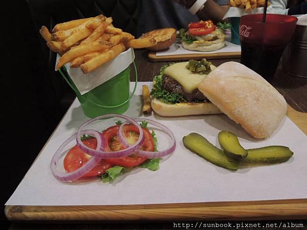 1885 burger store 美式漢堡13
