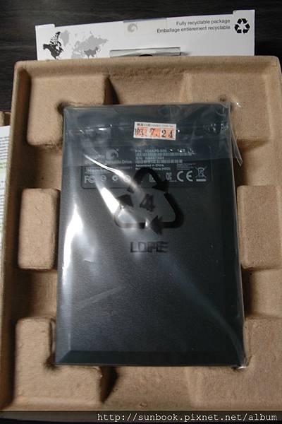 Seagate希捷 黑鑽2.5吋 1TB外接硬碟開箱文11.JPG