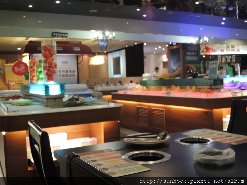 [食記] 台北車站精彩火鍋吃到飽。吃海鮮的好地方2.JPG