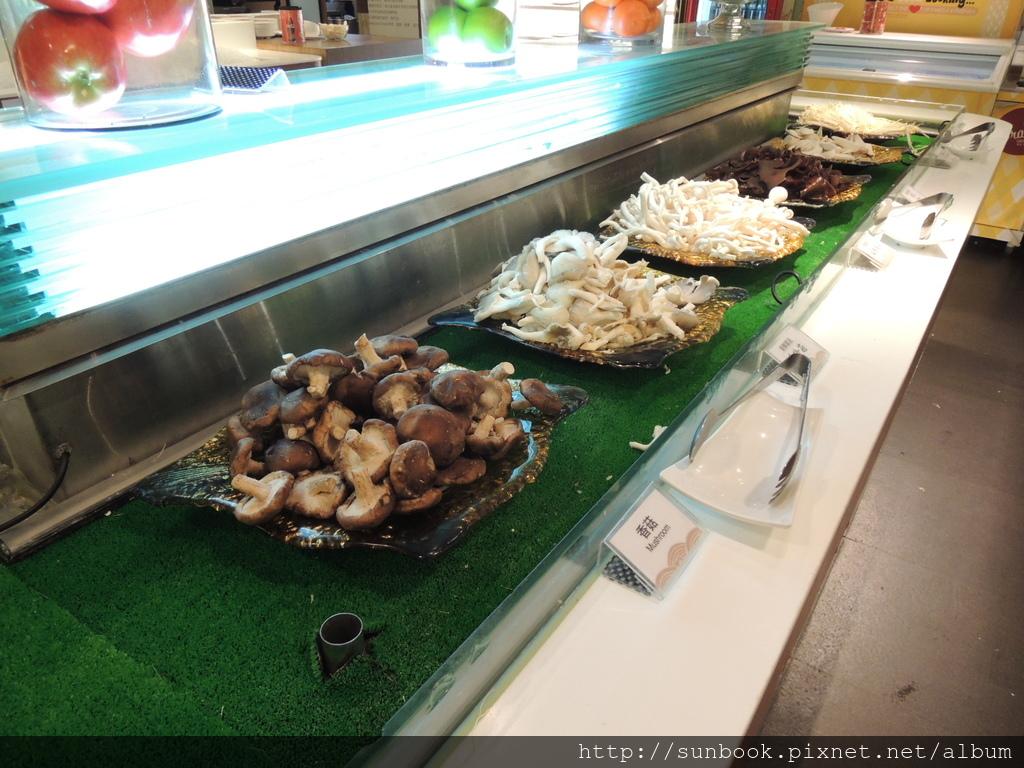 [食記] 台北車站精彩火鍋吃到飽。吃海鮮的好地方6.JPG