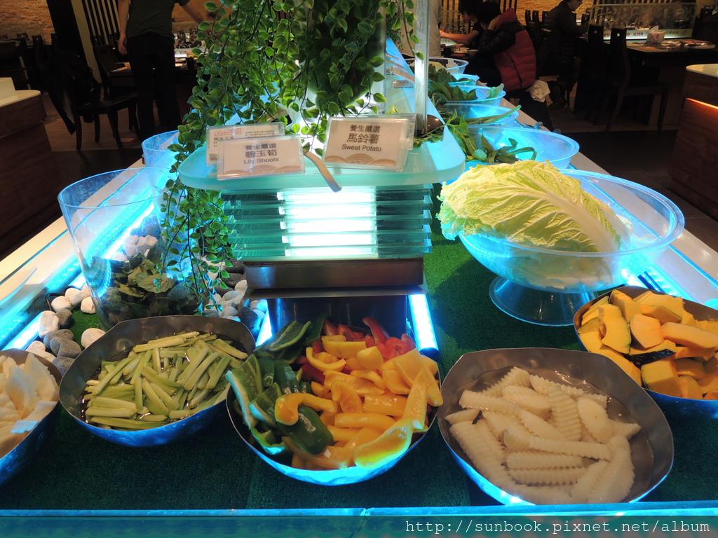 [食記] 台北車站精彩火鍋吃到飽。吃海鮮的好地方9.JPG